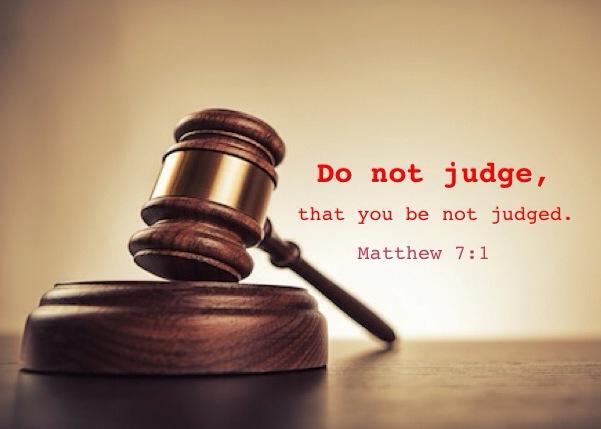 【读圣经学英语】不要审判