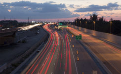 人活着,难道就像这繁忙的高速公路一样吗?